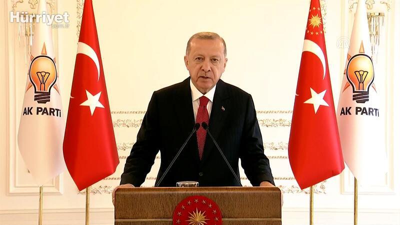 Cumhurbaşkanı Erdoğan: Salgınla mücadeleye destek vermek için önümüzdeki haftadan itibaren kongrelerimizi erteliyoruz