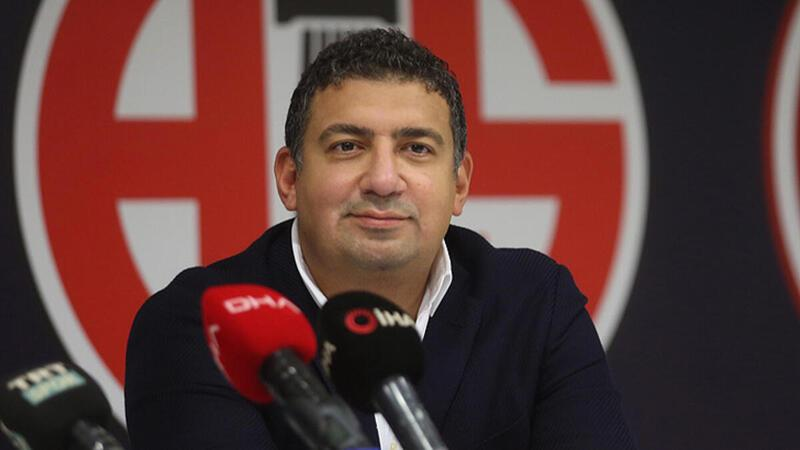 """Ali Şafak Öztürk: """"Şampiyonluk kupası, Avrupa'da başarıları olan bir hoca ile çalışıyoruz"""""""