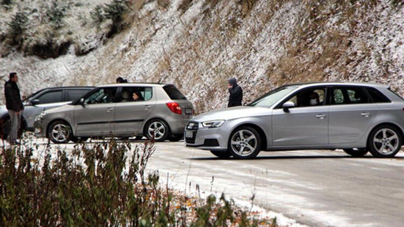 Son dakika haber... Yedigöller yolu kar ve buzlanma nedeniyle trafiğe kapatıldı