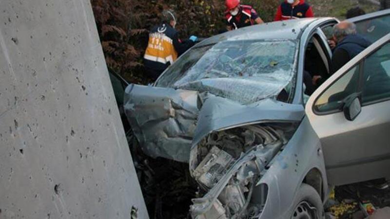 Otomobil istinat duvarına çarptı: 2 ölü, 2 yaralı