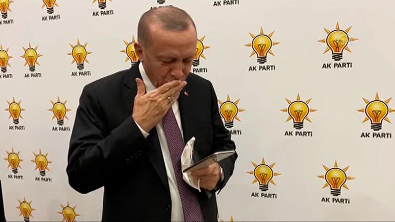 Cumhurbaşkanı Erdoğan, İzmir depreminin simgelerinden olan 3 yaşındaki Ayda bebek ile telefonda görüştü