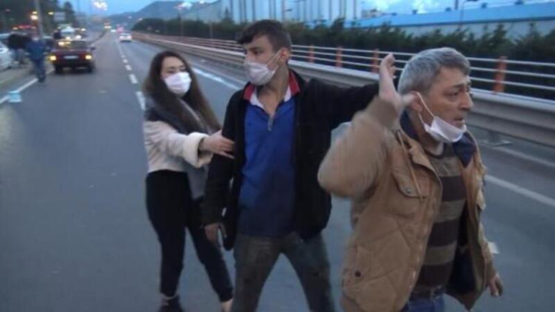 Kaza yapıp kaçtı, babasıyla geri dönüp, gazetecilere saldırdı