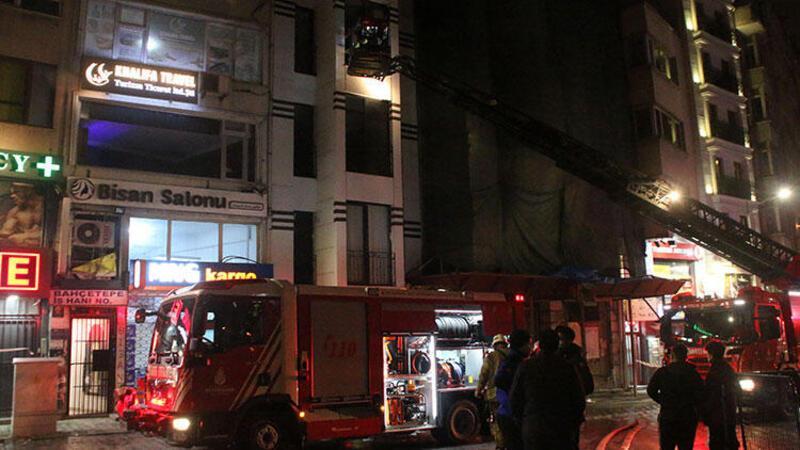 Taksim'de korkutan otel yangını!