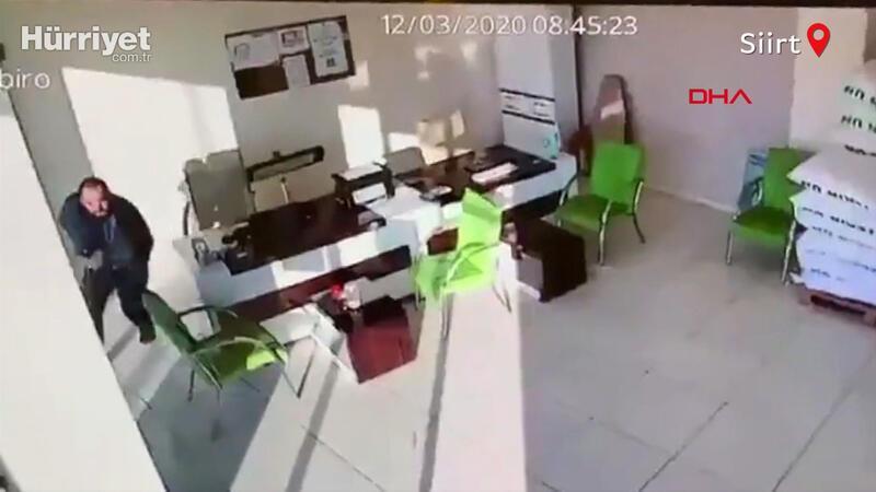 Siirt'teki depremde yaşanan panik anları kamerada