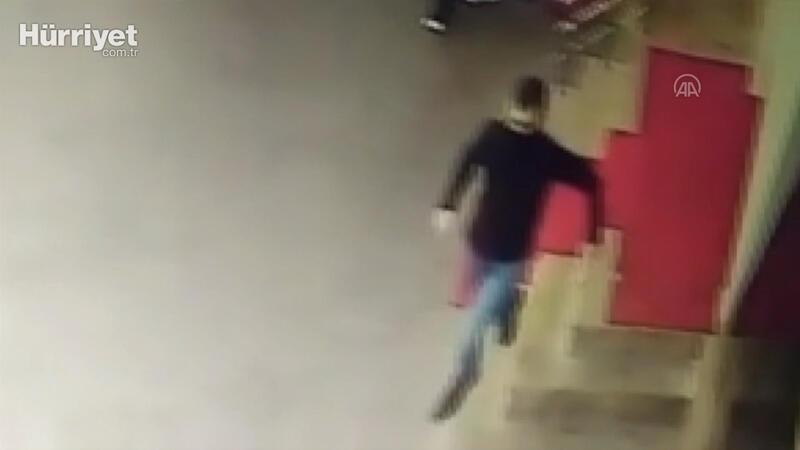 Kahramanmaraş'ta polis ekibine silahlı saldırı! Zanlının kaçma anı kamerada