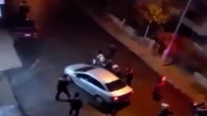 Denetleme yapan polis ekiplerinin üzerine sürüp kaçtı