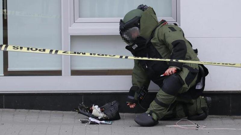 Banka şubesi önündeki şüpheli çanta, fünye ile patlatıldı