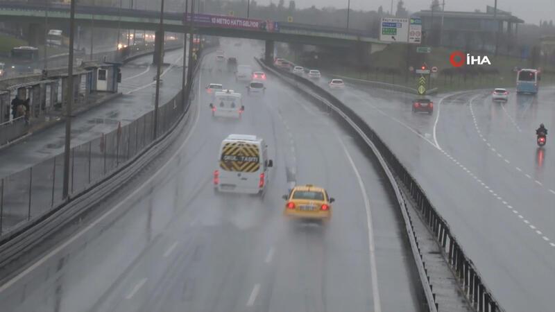 İstanbul'da beklenen yağış etkili olmaya başladı