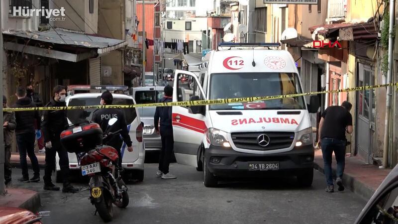 Beyoğlu'nda bir evde battaniyeye sarılmış kadın cesedi bulundu