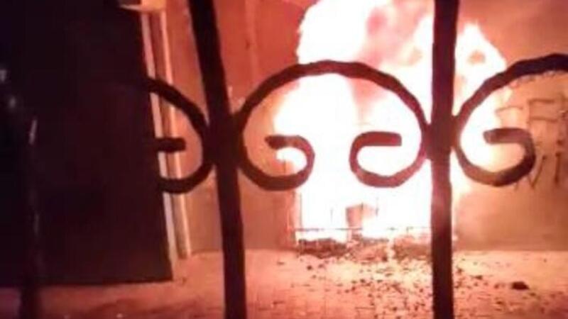 Esenler'de bir evde çıkan yangında 2 çocuk öldü