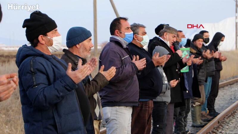 Erzurum'da köylüler yağmayan kar için dua etti
