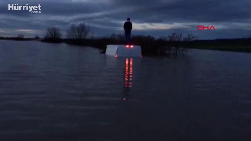 Su taşkınında mahsur kalan sürücüyü AFAD kurtardı