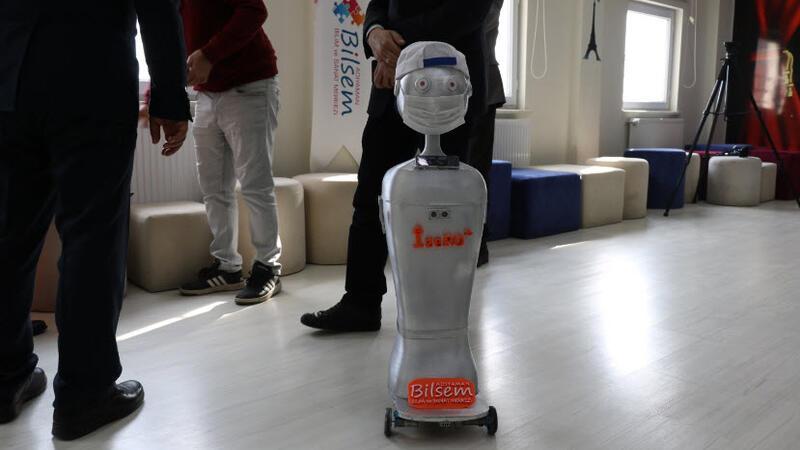 Maske kontrolü yapan robot geliştirildi