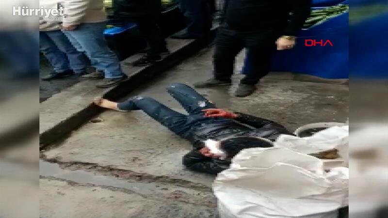Yabancı uyruklu iki arkadaş birbirini bıçakladı