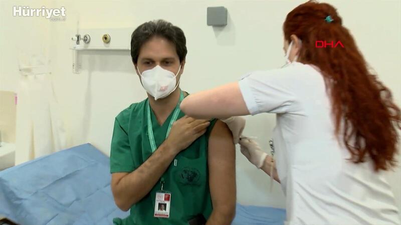 İstanbul'da ilk aşı sağlık çalışanlarına yapıldı