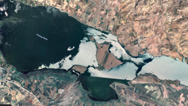 Sivaslı iş insanının baraj gölündeki adası, 8 milyon liraya satışta