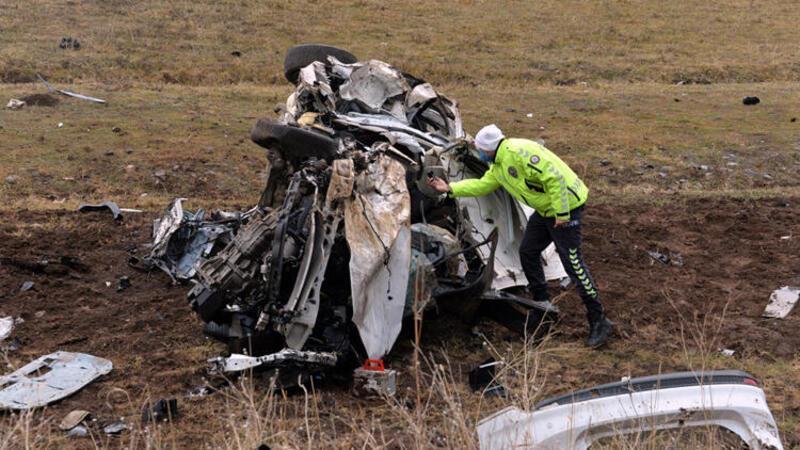 Bingöl'de feci kaza! 1 ölü 2 yaralı