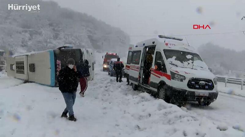 Zonguldak'ta kontrolünü kaybeden yolcu otobüsü devrildi