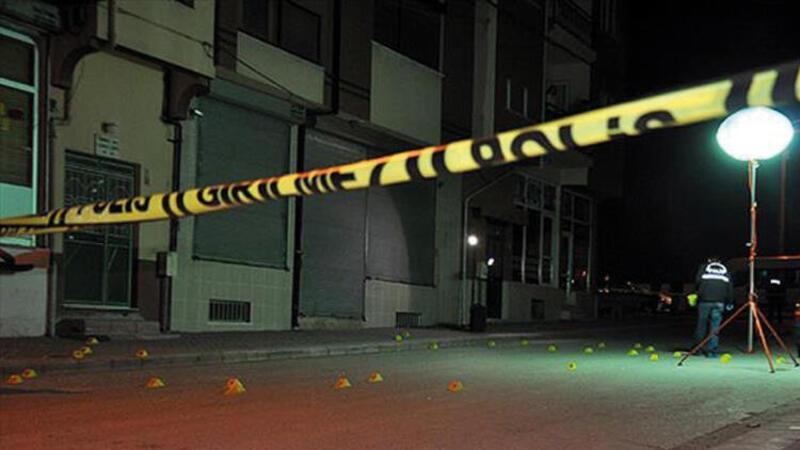 Otomobilde tüfekle vurulan iki kişi yaşamını yitirdi
