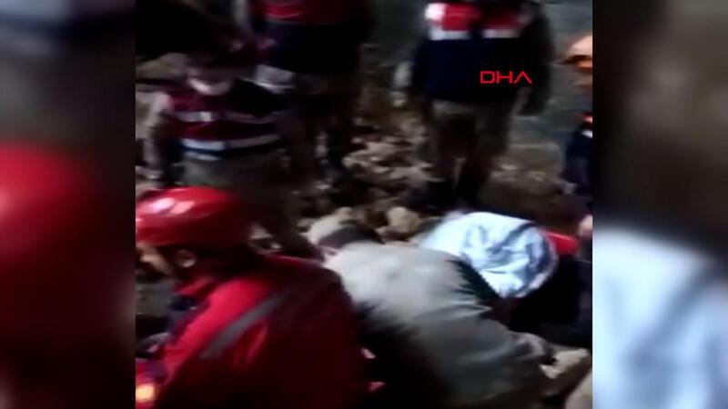 Fotoğraf çekmek için gittiği mağarada düşerek yaralanan kişi, ekiplerin uzun uğraşı sonucu kurtarıldı