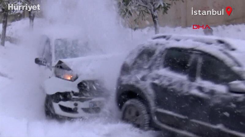 Kağıthane'de kar kazası! O anlar kamerada