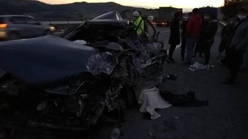 Pozantı-Ankara otoyolunda kamyonla otomobil çarpıştı