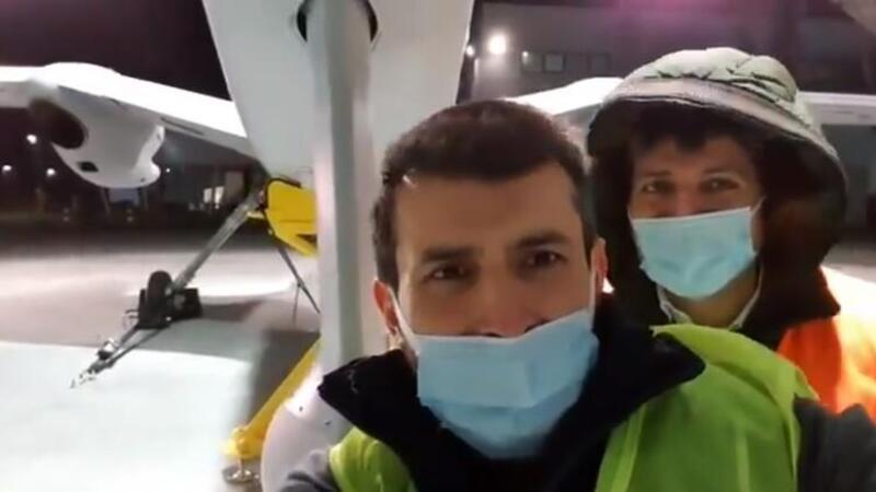 Selçuk Bayraktar, Akıncı PT-3 ile selfie paylaştı