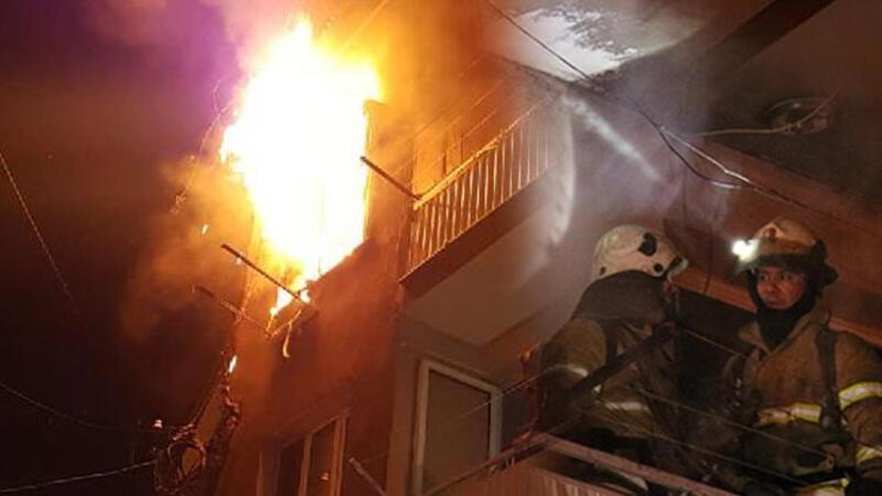 İzmir'de yangını gören gece bekçileri hayat kurtardı: 1'i çocuk 2 kişi dumandan etkilendi