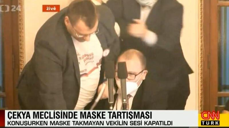 Çekya meclisinde maske tartışması