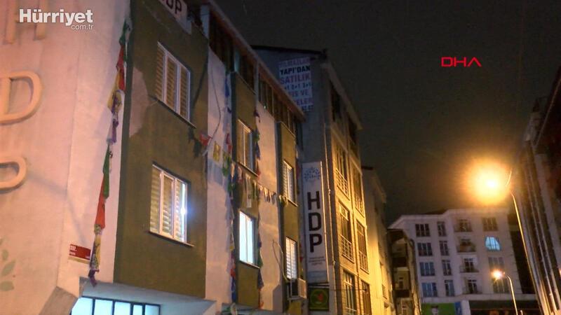 HDP Esenyurt İlçe Başkanlığı'na 6 saat süren operasyon