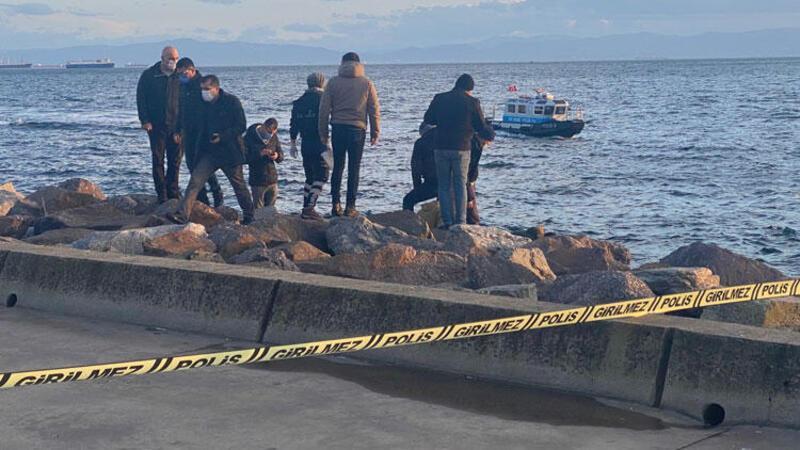 Kartal Sahili'nde kayalıklara sıkışmış halde erkek cesedi bulundu