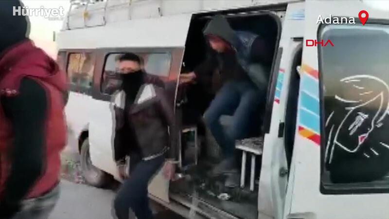 Polisler de şaştı kaldı! 15 yolcu kapasiteli minibüsten 33 yolcu indi