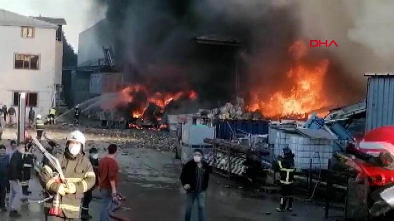 Gebze geri dönüşüm fabrikasında yangın