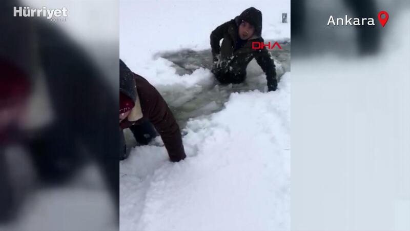 Video çekmek isterken gölete düştüler