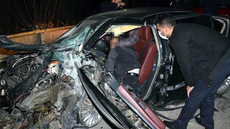 Serik'te çarpışan iki otomobilden biri dereye uçtu: Çok sayıda ölü var