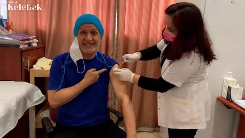 Ünlü oyuncu Talat Bulut da koronavirüs aşısı oldu.