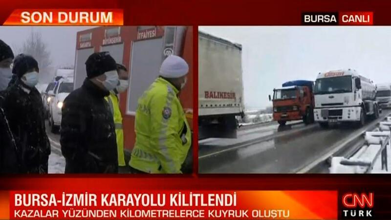 Bursa - İzmir yolu trafiğe kapandı
