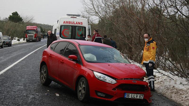 Tırla çarpışan otomobildeki 2 kişi yaralandı