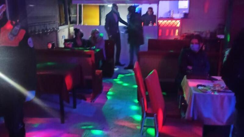 Ruhsatsız eğlence merkezindeki 24 kişiye 97 bin lira para cezası