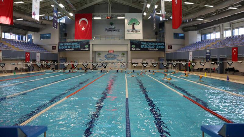Denizi olmayan Gaziantep'in 36 milli yüzücüsü bulunuyor
