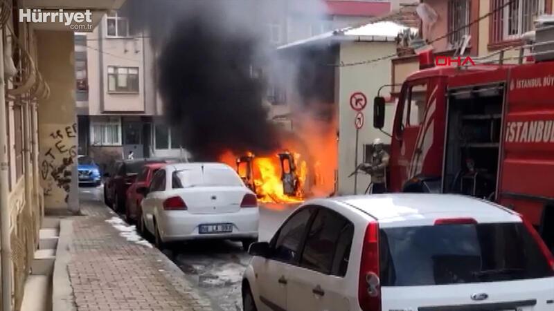 Kağıthane'de alev alan araç doğal gaz kutusuna çarptı; faciadan dönüldü