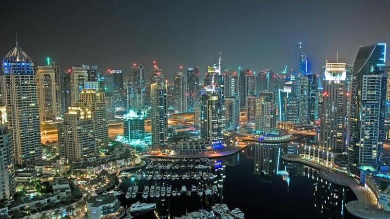 Multi milyarderler Kovid-19'a karşı Dubai'deki yüzen villalara akın ediyor