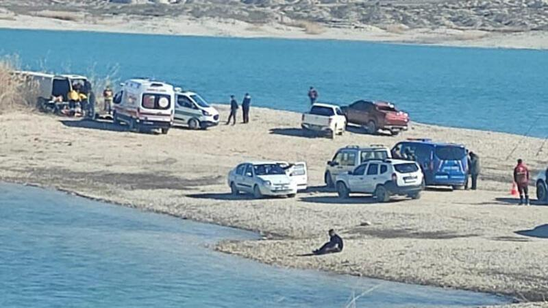Şanlıurfa'da minibüste 1'i çocuk 3 kişinin cesedi bulundu