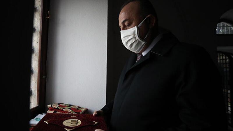 Bakan Çavuşoğlu, Macaristan ziyaretine Gül Baba Türbesi ile başladı