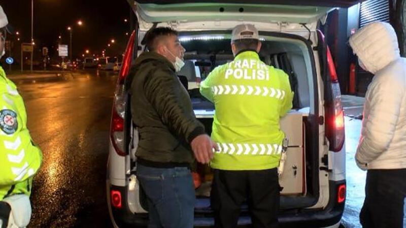 Ataşehir'de kısıtlamayı ihlal edip kaza yaptılar