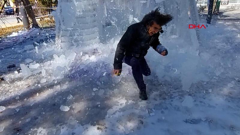 Buz kütlesi performans denemesinde talihsiz an! Ölümden böyle döndü...