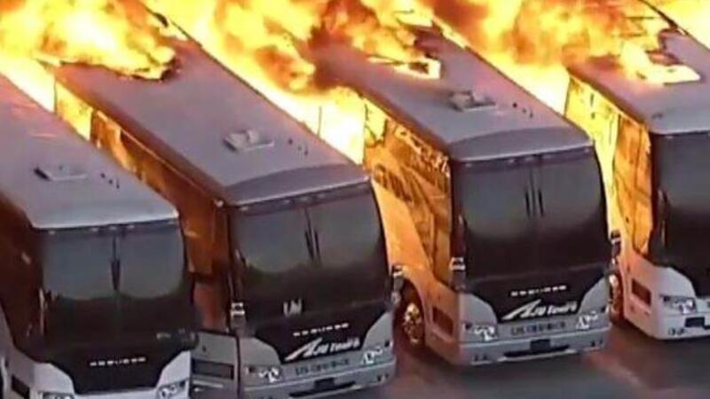 ABD'de otobüs garajında büyük yangın