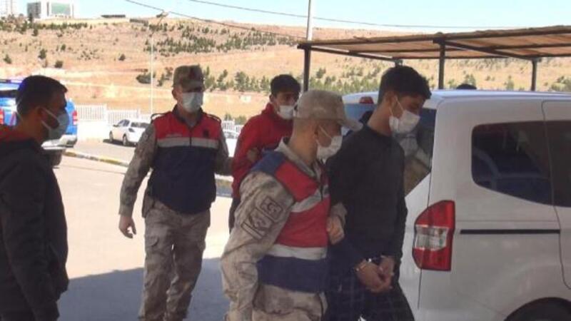 DEAŞ'lı 3 terörist Suriye sınırında yakalandı