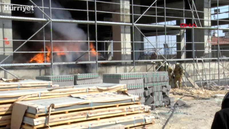 İkitelli'de inşaat halindeki binada yangın çıktı
