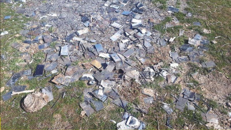 Kayseri'de yakılmış yüzlerce cep telefonu bulundu